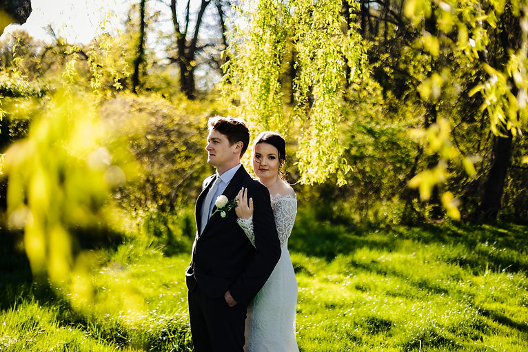 Willow tree sunset golden hour bride and groom portraits at Piney Branch Golf Course in Maryland