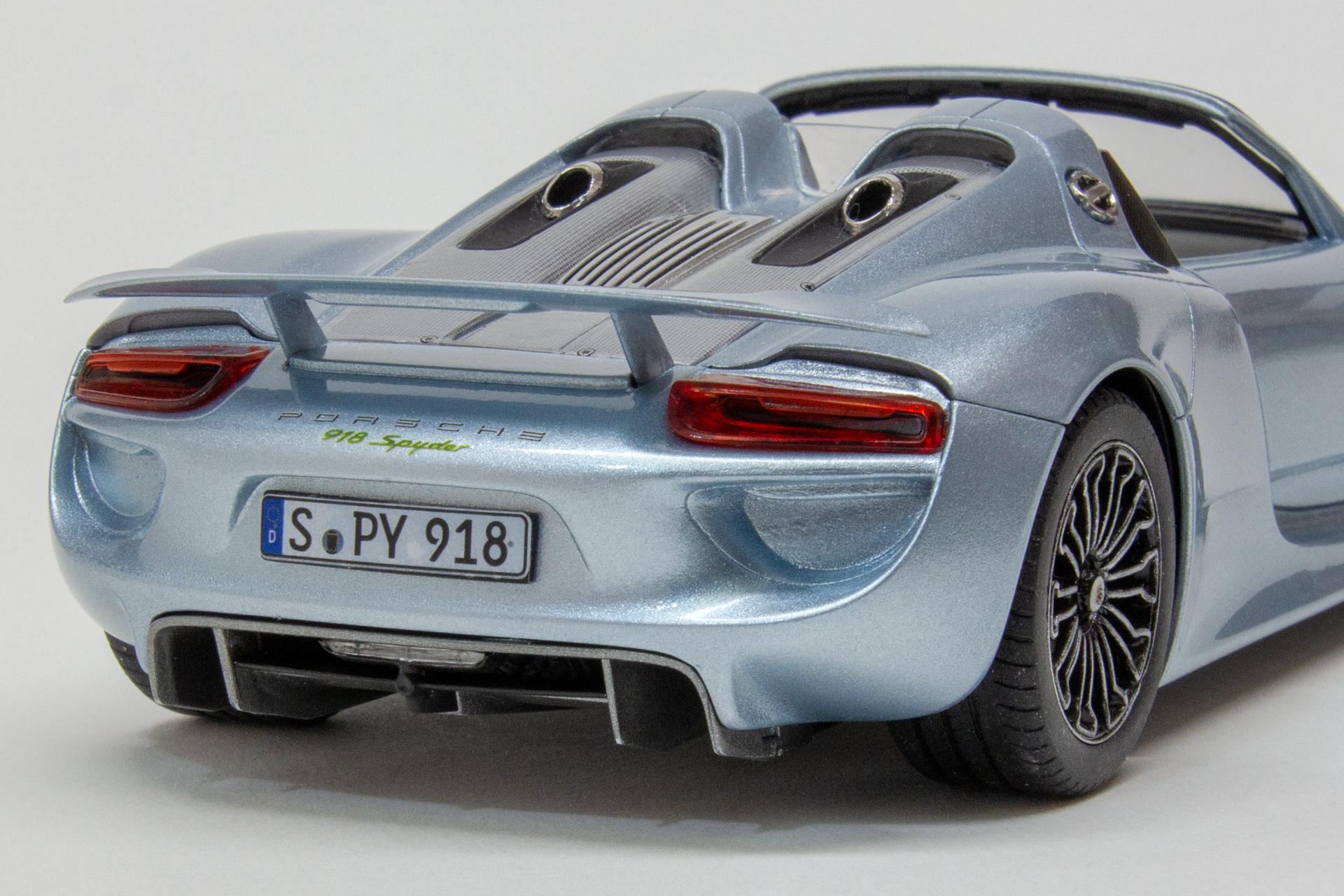 Porsche 918   #8394