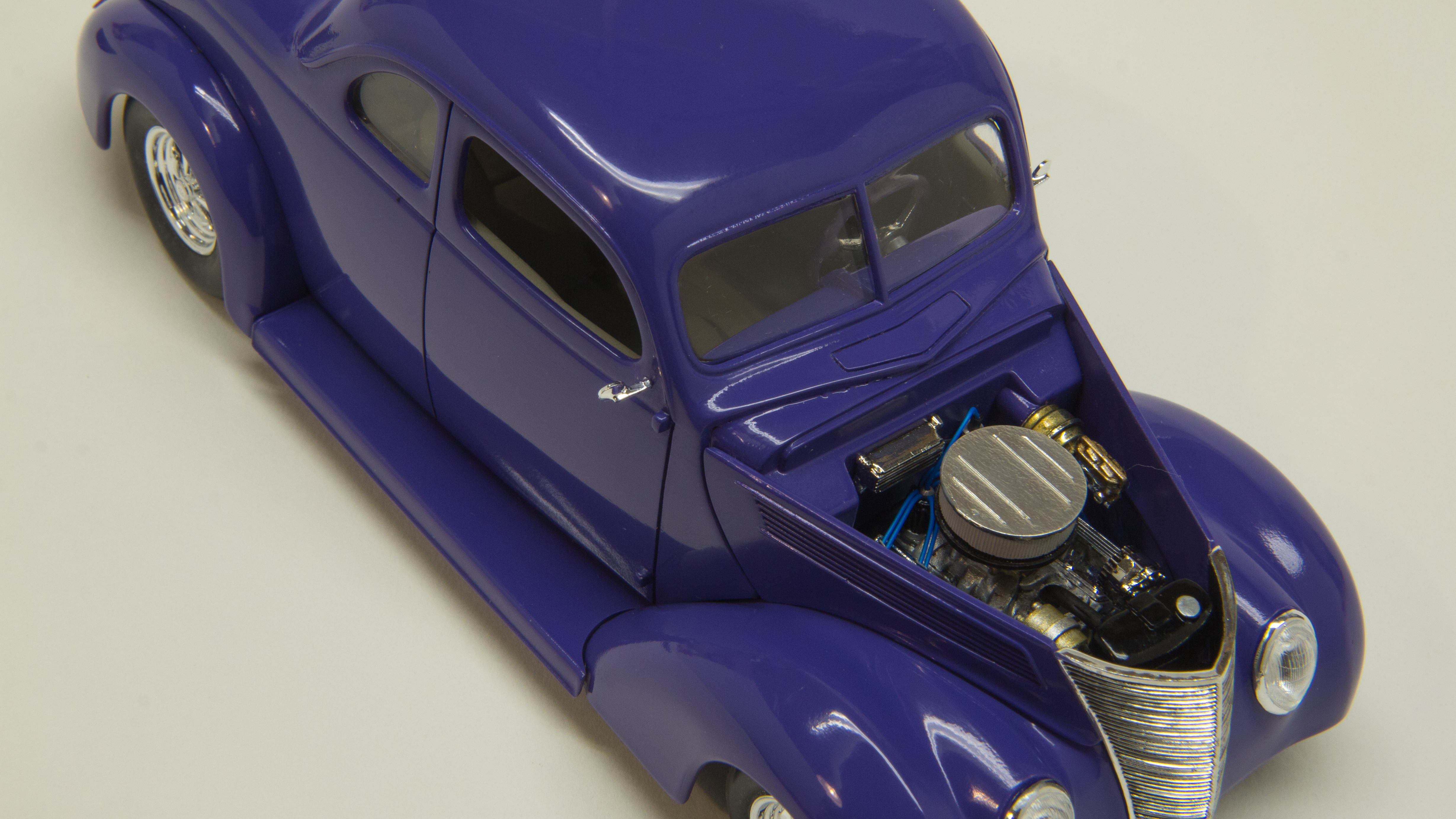 37 Ford #9038