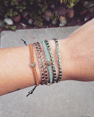 macrame-bracelet-hearts.jpg