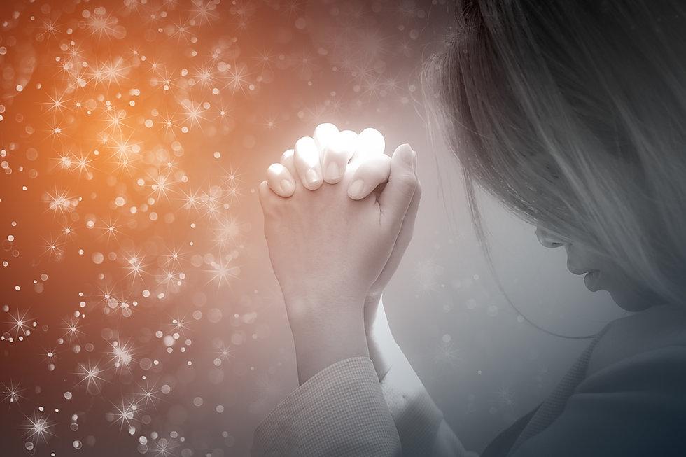 woman praying.jpeg