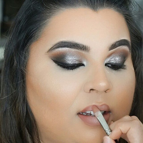 Sparkly theme 🖌 Makeup by _beautymatched.jpg