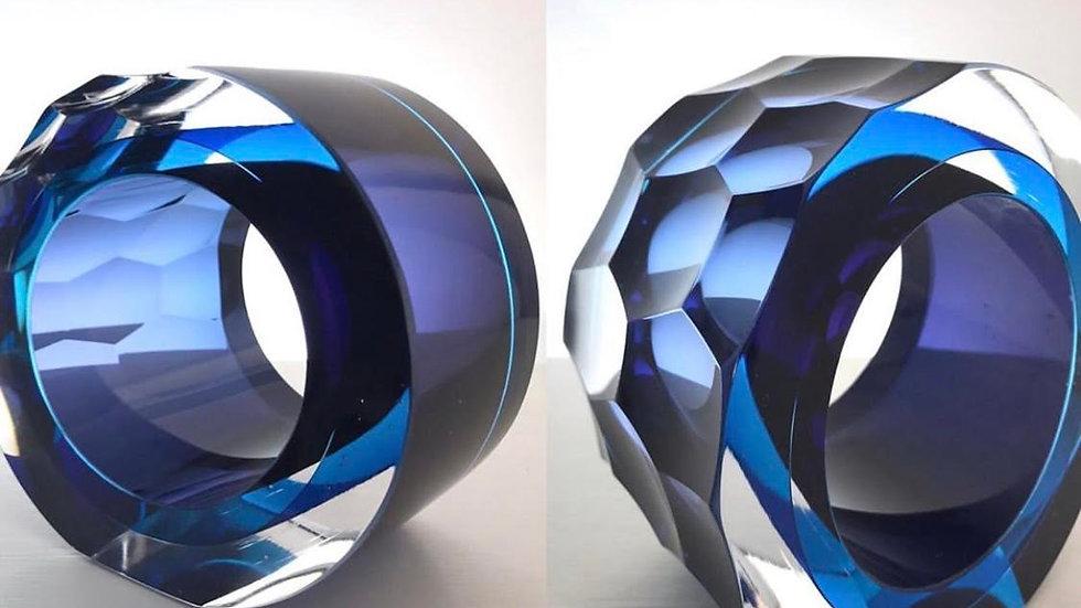 Graeme Hawes, Small cut blue