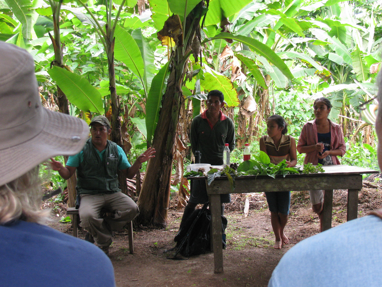 Visita Comunidad Iquitos.JPG