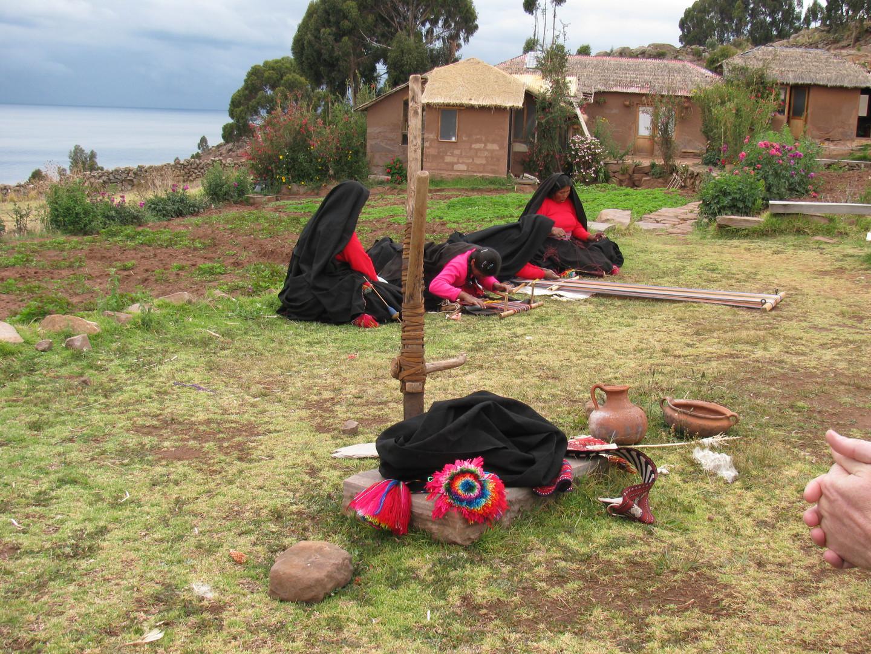 Pobladoras Luquina Chico - Titicaca.JPG