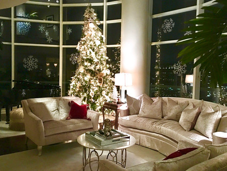6 Tips for Decorating/Selling in December