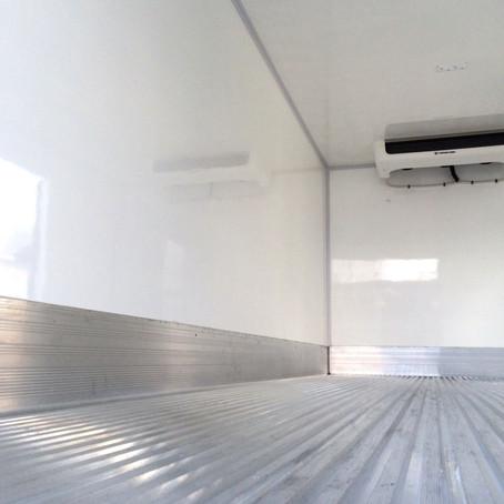 É preciso ligar o equipamento de refrigeração antes do carregamento?