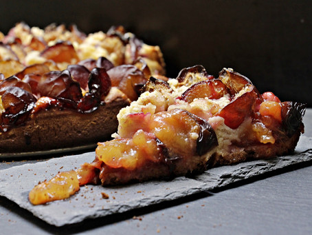 Warm and Spicey Baked Plum Pie