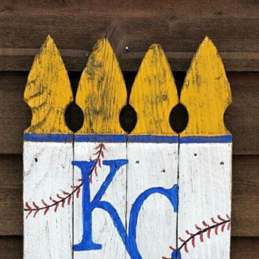 Calling all Royals fans!! #AlwaysRoyal