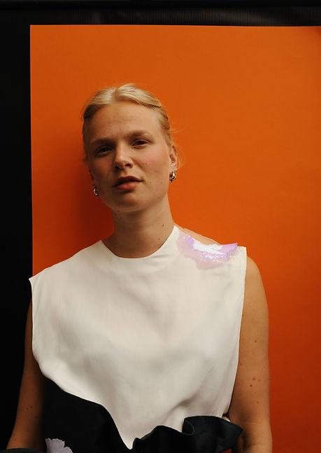 Playing with Machines, Maartje van Dijck, Photography by Frijke Coumans, Model Welmoed Jonker