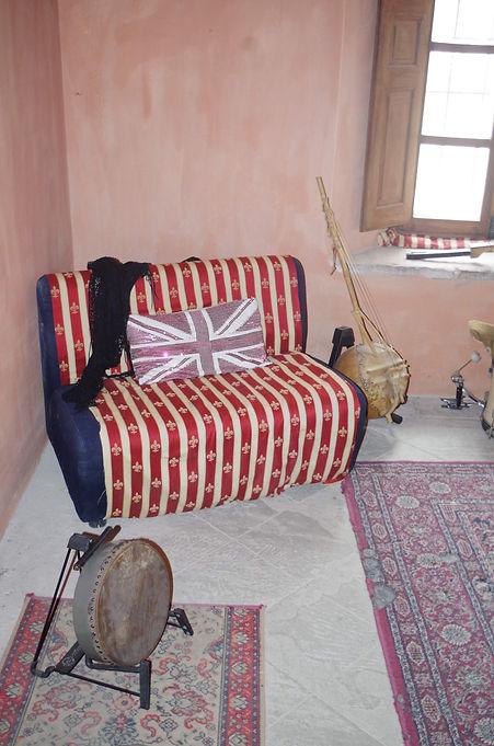 5_Chair.jpg