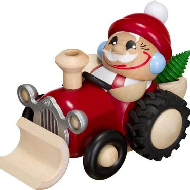 Nicolaus im Traktor.jpg