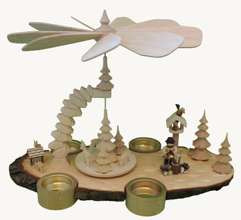 Rindenpyramide Holzhacker.jpg