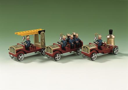 Leiterwagen Mannschaftswagen und Dampfspritze