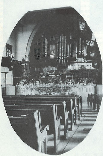 Trinity Methodist Church Interior 01.jpg