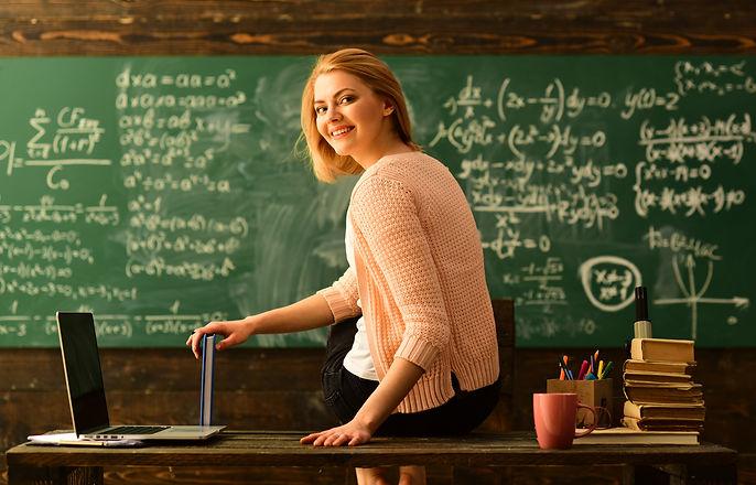 Teacher is skilled leader, Student looks