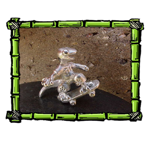Skateboarder Gecko | Sterling Silver Pendant