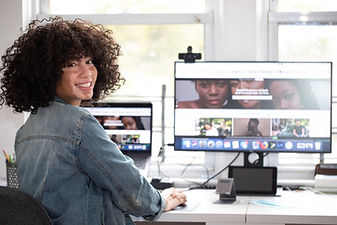 Woman-in-home-office-1280x854-1-1030x687