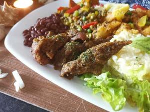 Seitan sauce cajun Roots vegan food