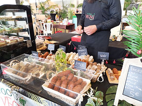 Stand Roots vegan food