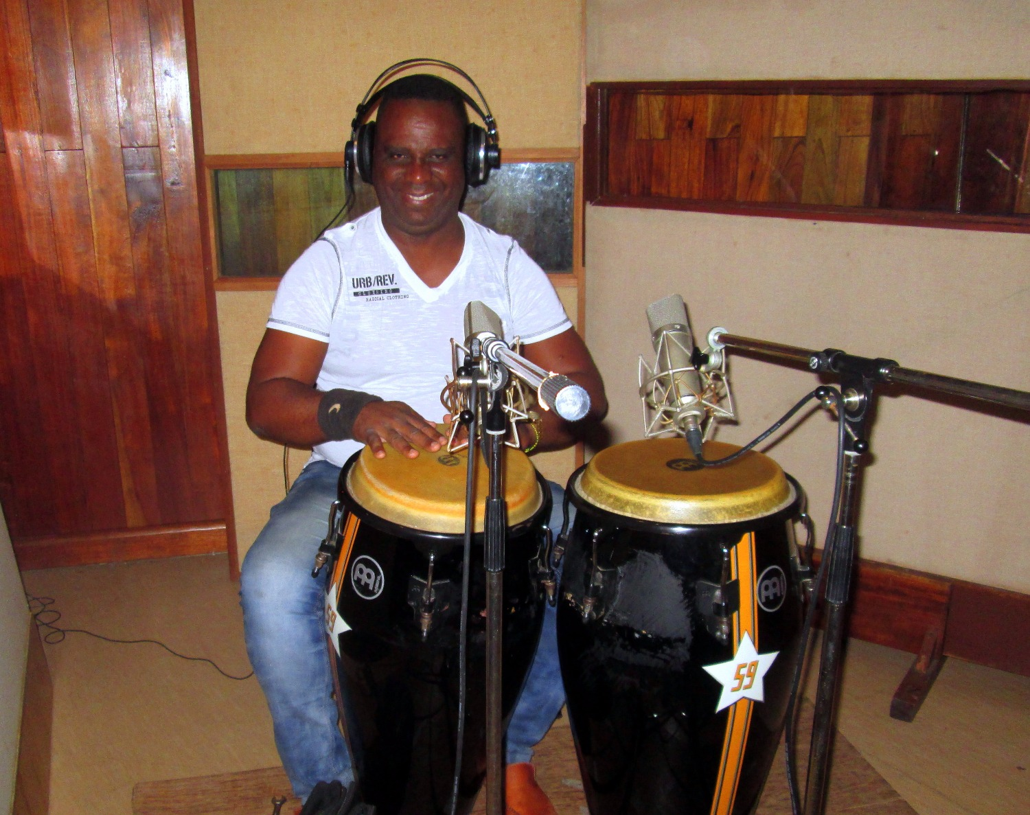 Augusto Lage, congas