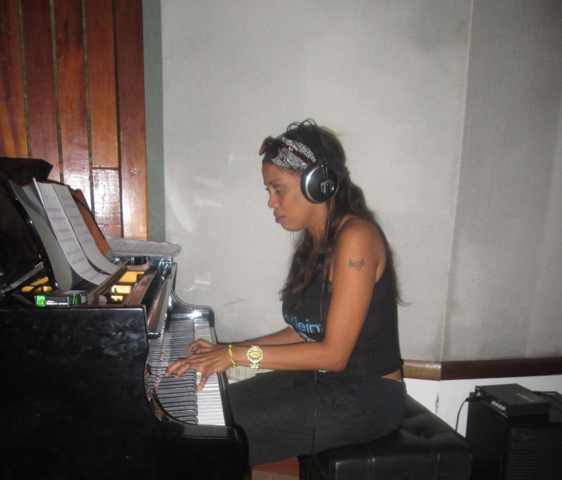 Leyanis Valdes, piano