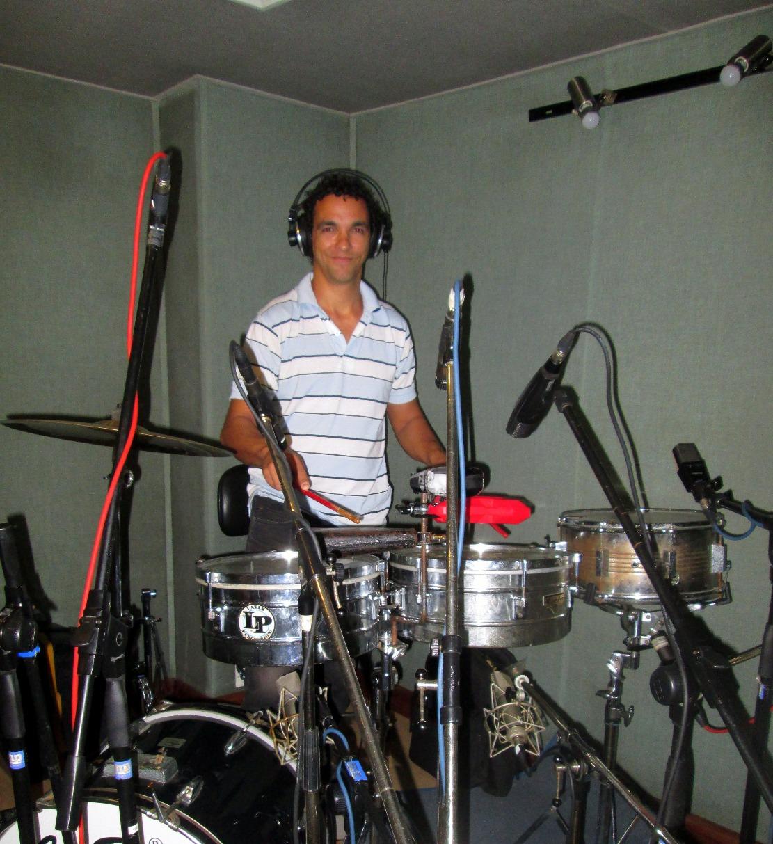 Lennon Ruiz, timbales