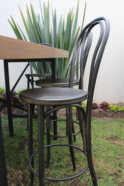 BANCO THONET DE METAL