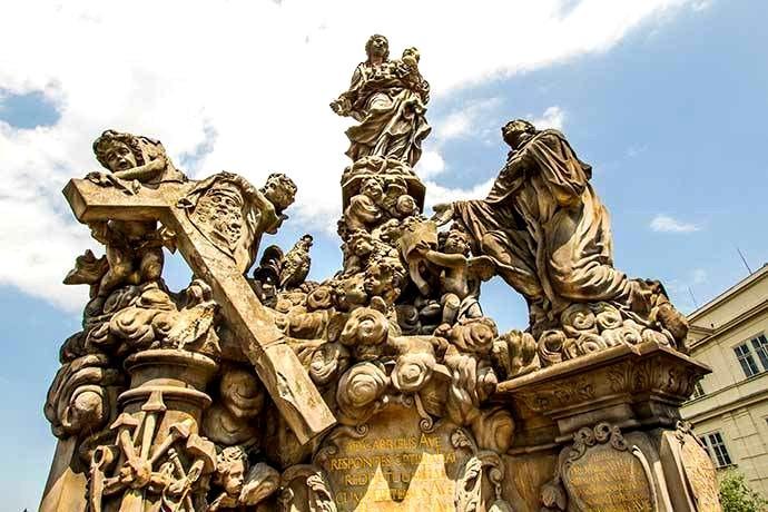 Madonna com o menino Jesus e São Bernardo - Praga