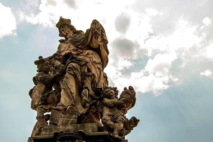 Santa Ludmila - Ponte Carlos - Praga - República Tcheca