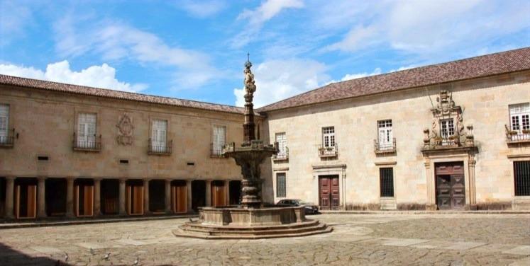 Largo do Paço - Paço Episcopal - Braga - Portugal