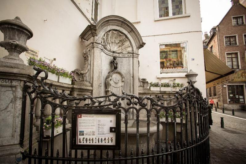 Manneken-Pis - a estátua que faz xixi em Bruxelas