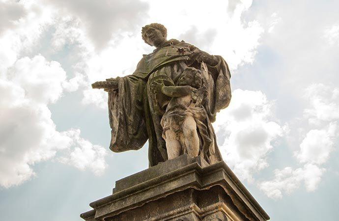 São Nicolau de Tolentino - Ponte Carlos - Praga - República Tcheca