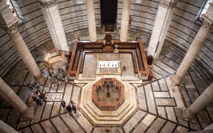 Interior do Batistério de San Giovanni - Pisa