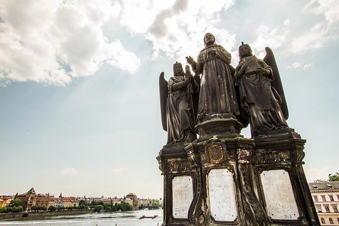 São Francisco de Assis - Ponte Carlos - Praga - República Tcheca