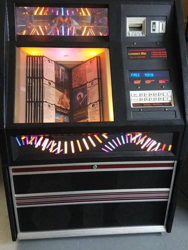 Jukeboxes For Sale: Seeburg, Rowe AMi      gotPinball com
