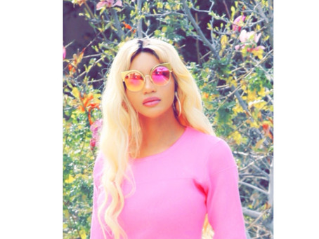 Dencia Pinks it Up ForFirst Day Of Spring 2018