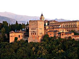 alhambra_granada-2044399_640.jpg