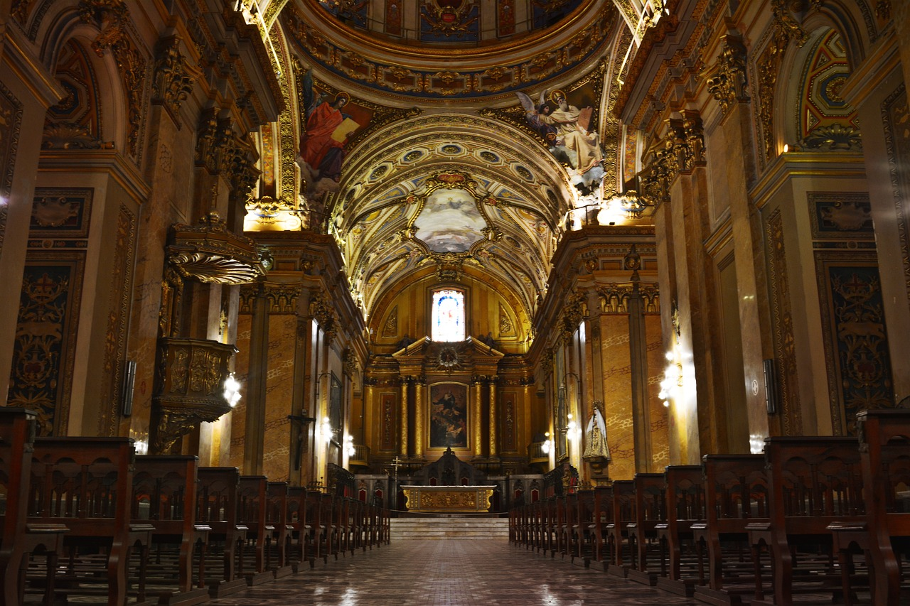 cathedral-3747956_1280