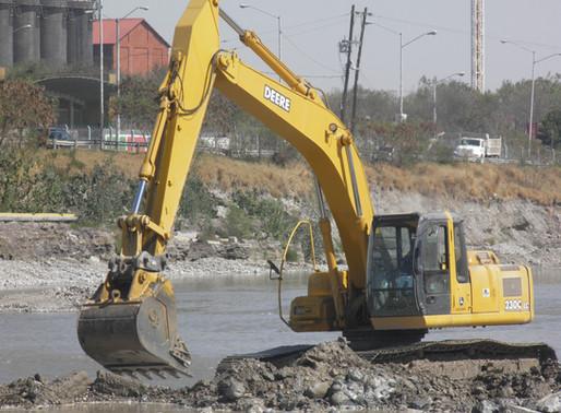 Maquinaria utilizada en un proyecto de excavación