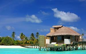 laamu-maldives-lagoon-water-villa.webp