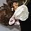 Thumbnail: Couronne de fleurs en satin