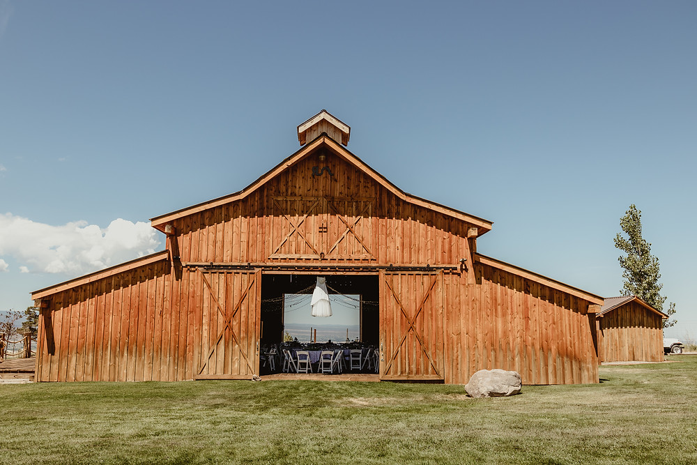 Antler Ridge Events Montrose Colorado barn wedding venue