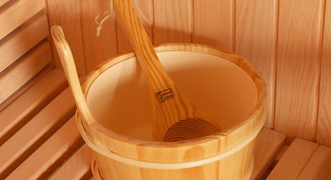 4L-Wooden-Bucket-with-scoop-into-one-car