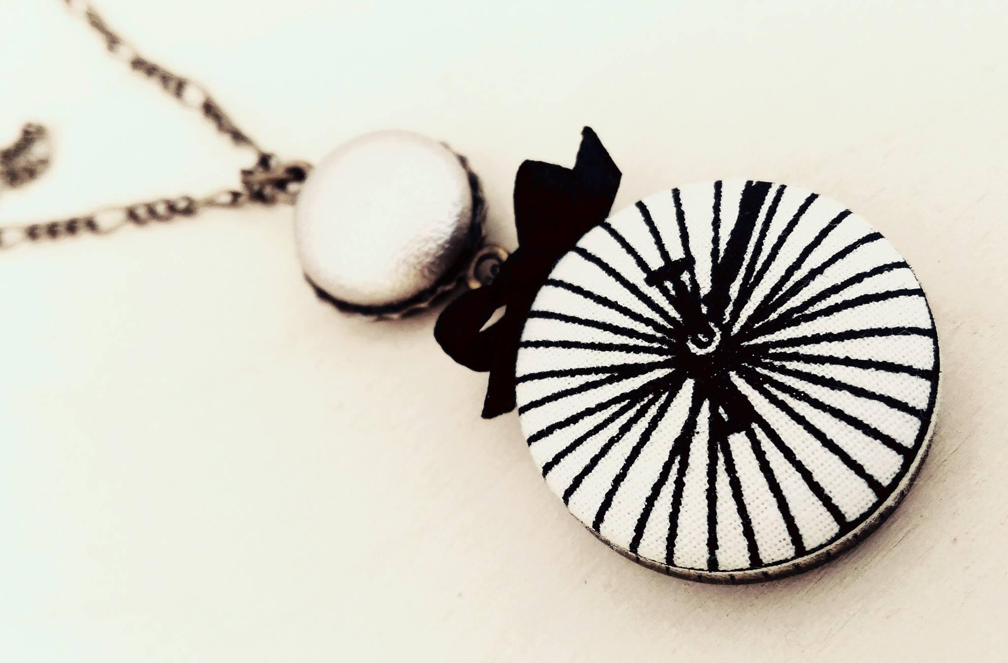 kombinovaný náhrdelník - buttonky