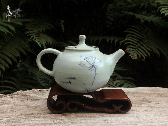 手繪荷花汝窯茶壺