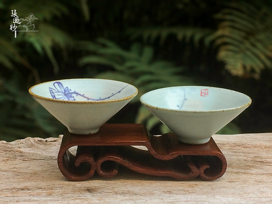 Ru-Kiln Tea Cup with Hand-Painted Lotus