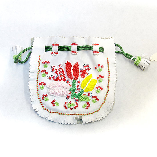 Beaded White Leather Pouch (96:4)