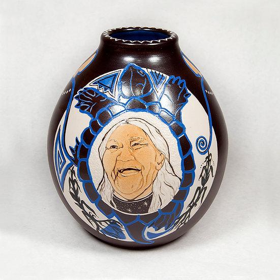 Dark Brown Pot with Elder (13:15)