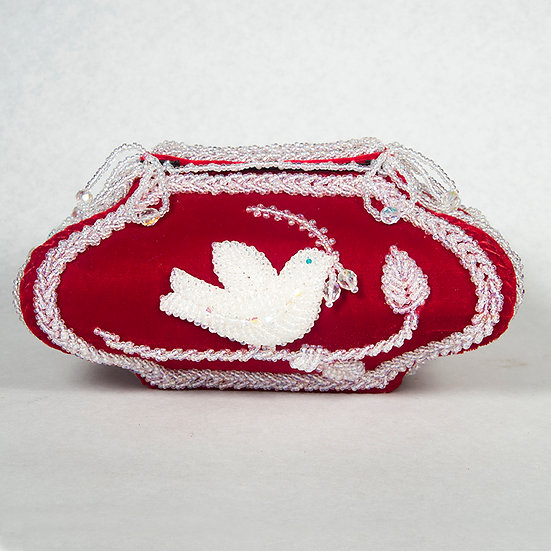 Beaded Box with Dove  (96:38)